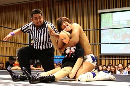 新日本プロレスの看板、DDTの看板