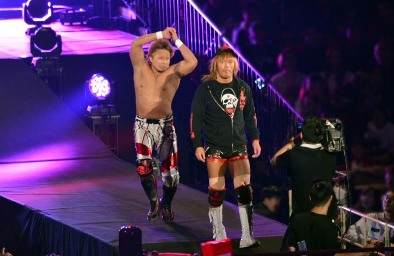 新日本プロレス大阪。内藤対YOSHI-HASHI。後ろから襲撃