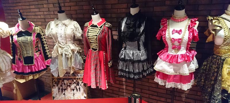 READY TO KISSの歴代衣装